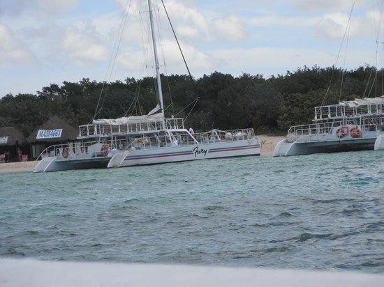 Fury Catamarans - Tours: Arriving at private beach