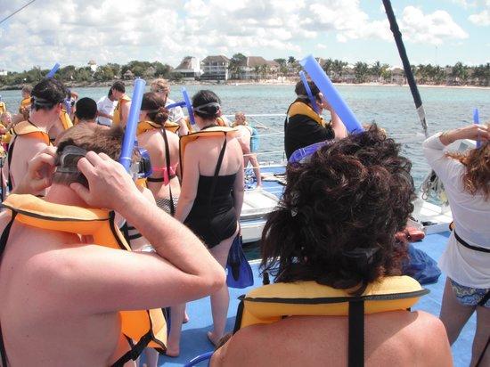 Fury Catamarans - Tours: Ready to snorkle