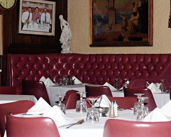 Forlini's Restaurant: Cool Interior