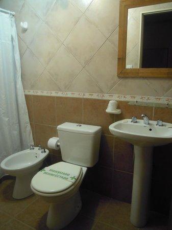 Hosteria El Alamo: Baño impecable