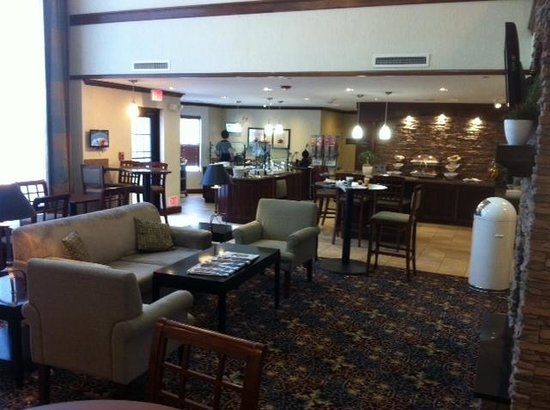 Staybridge Suites East Stroudsburg - Poconos: lobby