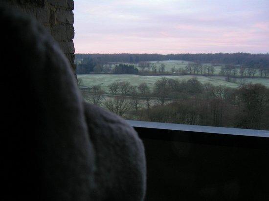 Dornröschenschloss Sababurg: 部屋からの眺め、冬、霜の降りた朝