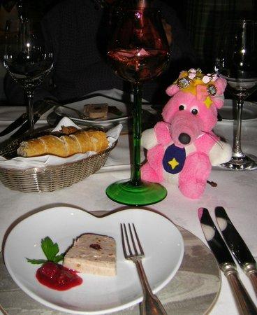 Dornröschenschloss Sababurg: 毎回ホテルからサービスの小さな前菜も楽しみ