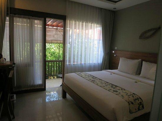 Arana Suite Hotel: room view to patio