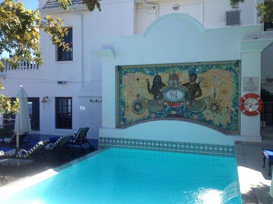 The Twelve Apostles Hotel and Spa: Pool area