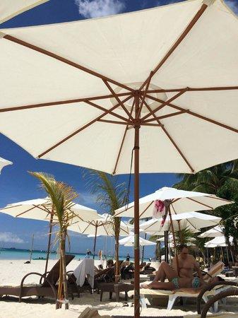 Sur Beach Resort: beach area