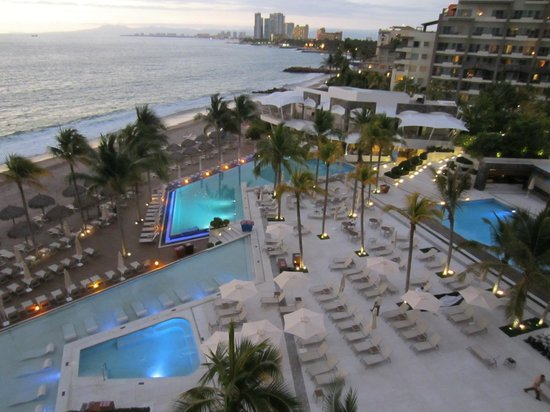 Secrets Vallarta Bay Puerto Vallarta: Ahhh the view and the wonderful sound of waves