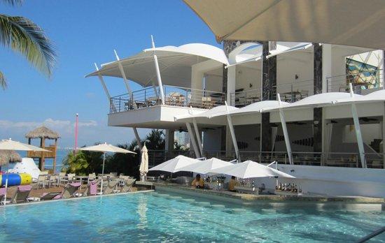 Secrets Vallarta Bay Puerto Vallarta: Pool Time