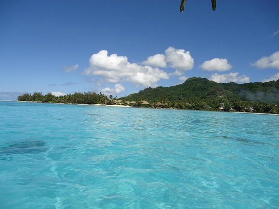 Captain Tama's Lagoon Cruizes: looking back to rarotonga