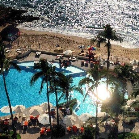 Sunset Plaza Beach Resort & Spa: Family pool