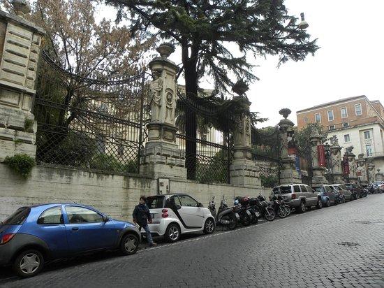 Nuovo Hotel Quattro Fontane: Museum Barberini in front