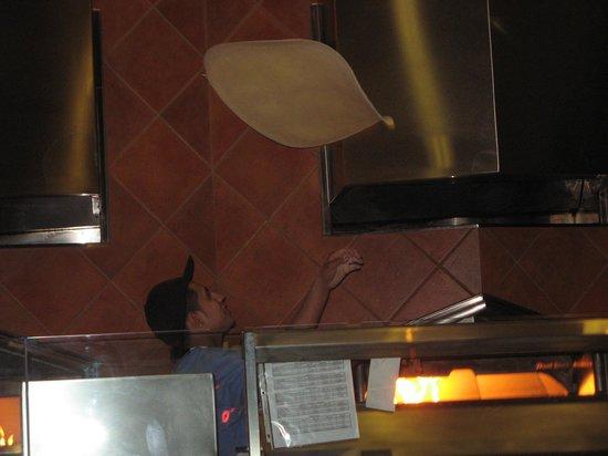 Amici's East Coast Pizzeria: Hand Tossed