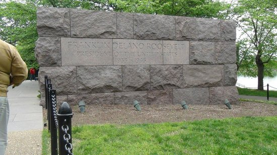 "Monumento a Franklin Delano Roosevelt: ""Monumento Roosevelt"""