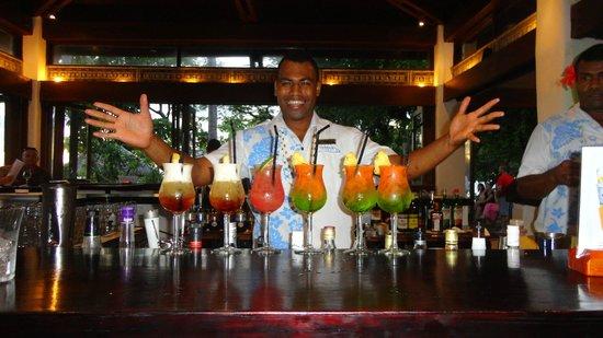 Treasure Island Resort: Barman Peni