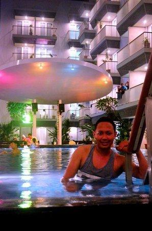 EDEN Hotel Kuta Bali - Managed by Tauzia: music pool