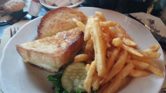 Sprague's Maple Farm: The grilled cheese was delicious