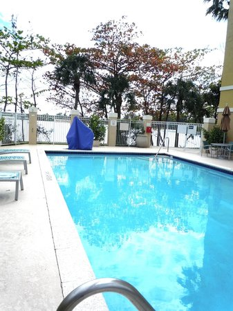 SpringHill Suites Miami Airport South: great pool