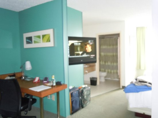 SpringHill Suites Miami Airport South: our room