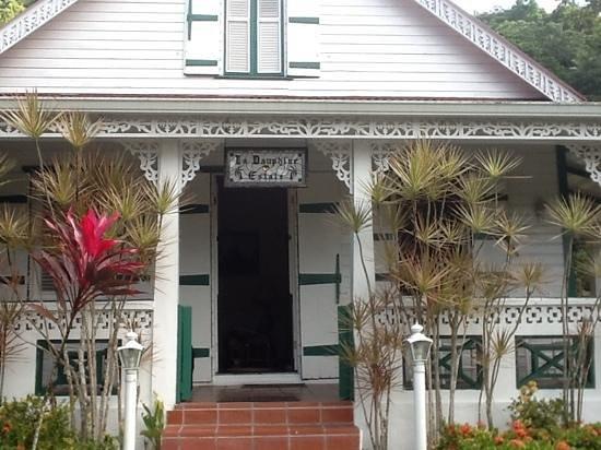 Villa Beach Cottages: front door of La Dauphine
