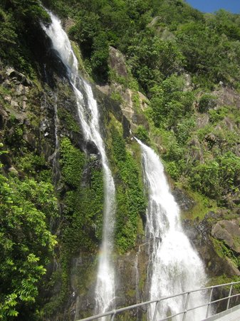 Kuranda Scenic Railway: Spectacular waterfalls that the train passed right in front of.