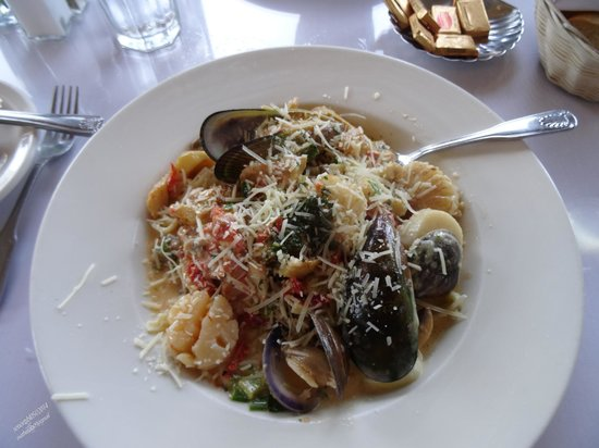 Monterey's Fish House: Look at thoes delicious green mussels