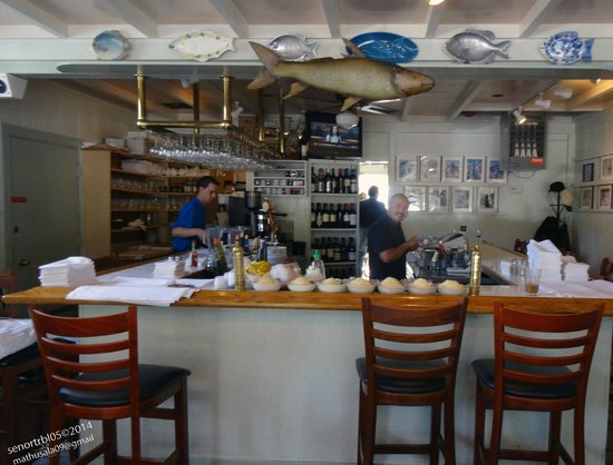 Monterey's Fish House: Nice selection of wine to enjoy your meal