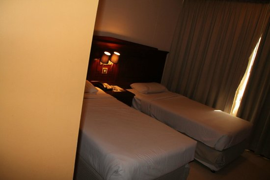 Admiral Plaza Hotel: small rooms