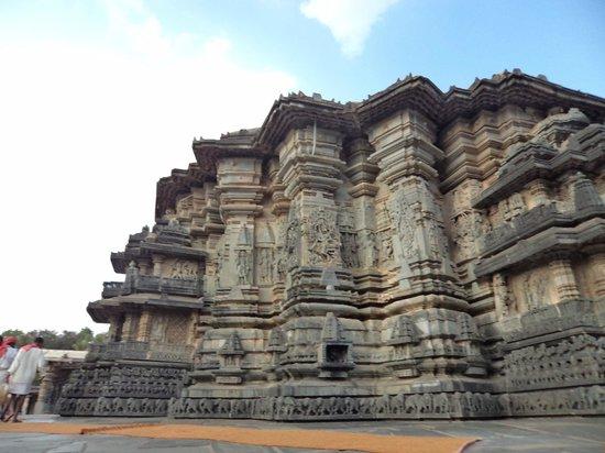 Somnathpur Temple: Full temple