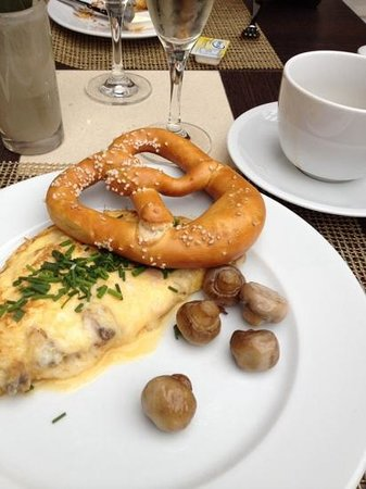 The Westin Grand München: Great breakfast selection