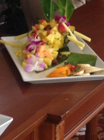 Marriott's Waiohai Beach Club: Miss Linda's Pineapple Plate