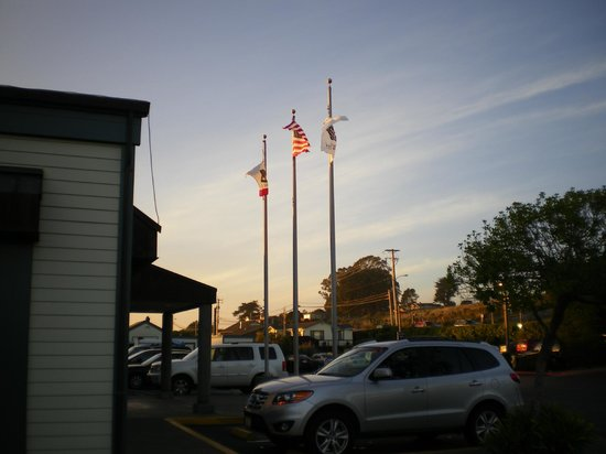 The Tides Wharf Restaurant: The Tides Wharf & Restaurant