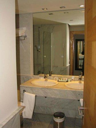 Parador de Toledo : 421号室バスルーム