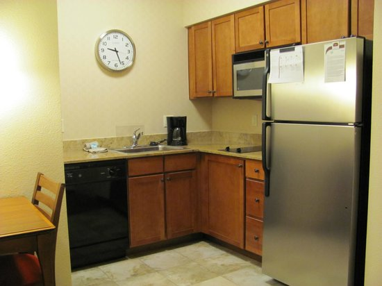 Residence Inn Denver City Center: Kitchen