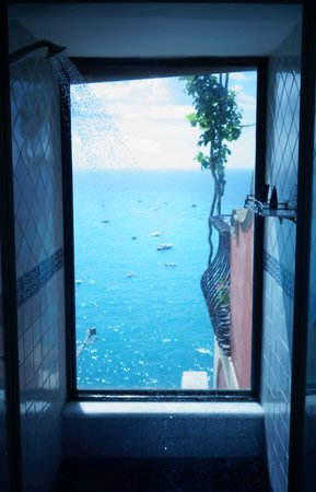 Hotel Miramare: The perfect shower!