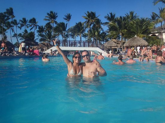 """Be Live Collection Punta Cana: Piscina maravilhosa com Bar """"molhado"""""""