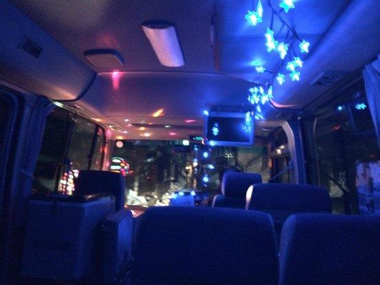 Hakuba Mominoki Hotel: Party Bus!