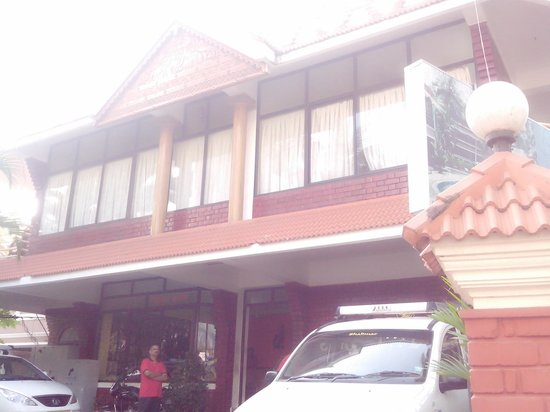 Hotel Jasmine Palace Kovalm: front view hotel