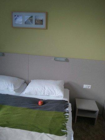 Motel22: Inside room