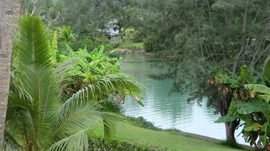 Holiday Inn Resort Vanuatu : en face de la piscine