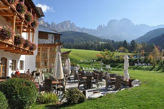 Cyprianerhof Dolomit Resort: View from the breakfast terrace
