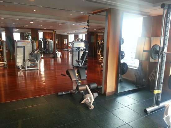 Sofitel Bangkok Sukhumvit: 9th floor gym