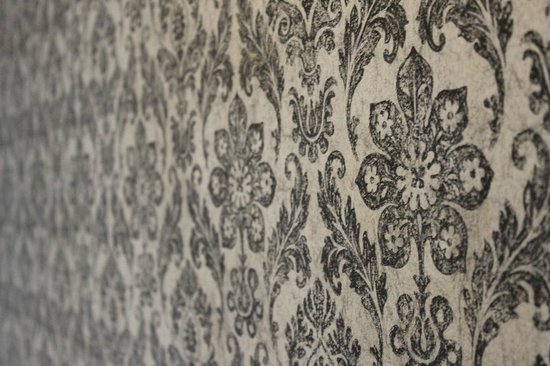 Cosset - A Boutique Hotel: Room wallpaper