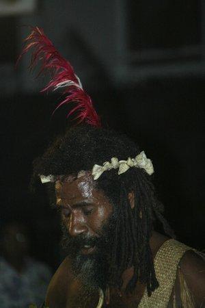The Melanesian Port Vila : danseur 2
