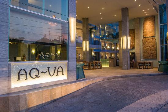 AQ-VA Hotel & Villas: C Grill Restaurant & Bar