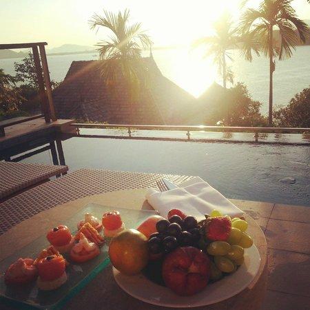 The Westin Siray Bay Resort & Spa Phuket: Tasty snack by the infinity pool.
