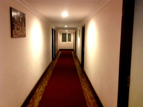 Hotel Alpine Continental: lobby
