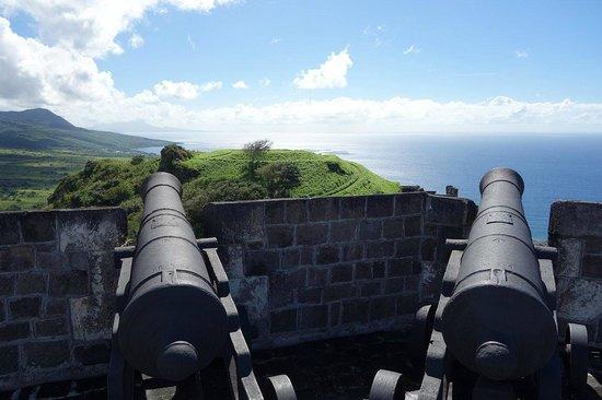 La forteresse de Brimstone Hill : Бримстоун-Хилл-Фортресс