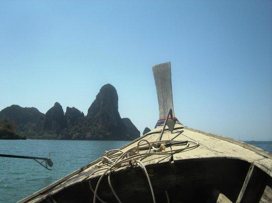 Aonang Orchid Resort : Long Boat to Rai Lay Beach 100Bht each way from Aonang