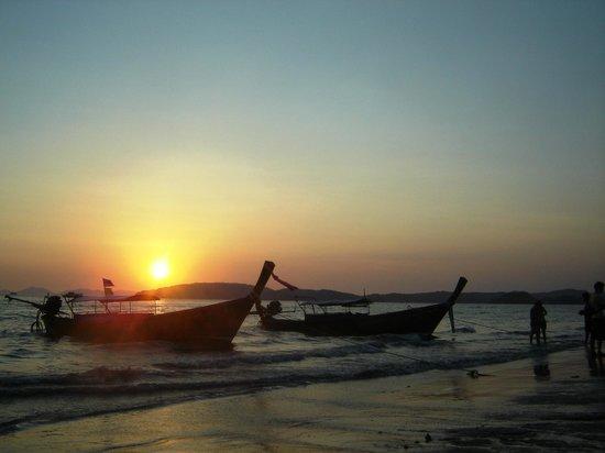 Aonang Orchid Resort : Sunset at Ao Nang Beach 5 Mins away from hotel
