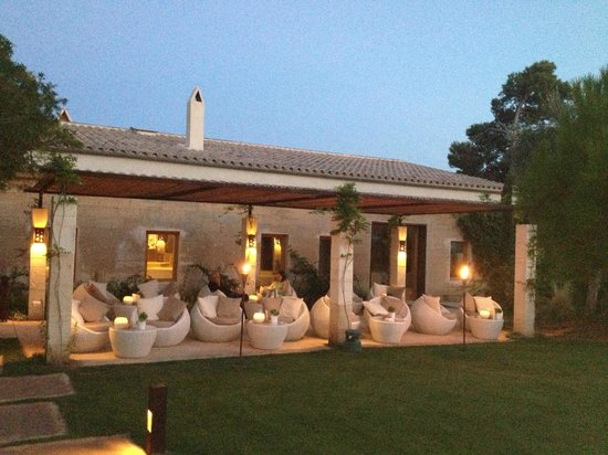 Fontsanta Hotel, Thermal Spa & Wellness: Outdoor lounge
